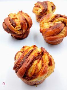 Una brioche che sembra una nuvola | Passionedolce Baked Potato, Potatoes, Cakes, Baking, Ethnic Recipes, Sweet, Food, Brioche, Candy