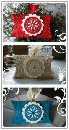 Kreativmomente. Such a pretty pillow box.