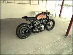 YAMAHA VIRAGO XV750.... Holy Crap I can't believe this is an ugly ole virago.. Nice job to who ever built this beautiful piece of machinery, you didn't have much to work with but did an amazing job with what you had..