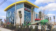 World's Largest McDonald's Is Ready To Reopen On I-Drive https://www.orlando-florida.net/worlds-largest-mcdonalds-is-ready-to-reopen-on-i-drive/?utm_campaign=coschedule&utm_source=pinterest&utm_medium=Orlando%20Florida&utm_content=World%27s%20Largest%20McDonald%27s%20Is%20Ready%20To%20Reopen%20On%20I-Drive
