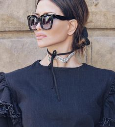 """""""Mi piace"""": 1,094, commenti: 24 - @realfashionist su Instagram: """"Happy Friday my gorgeous stylish friends 💋💕 Simple, casual today, but small bling bling detail by…"""""""