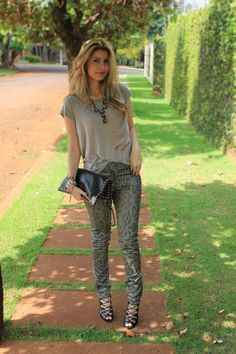 Look – Snake and Basic T-shirt