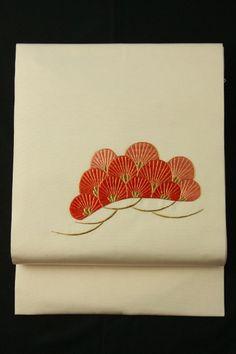 Sakura shioze nagoya obi / 桜色塩瀬地 刺繍の松お太鼓柄 名古屋帯 #Kimono #Japan http://global.rakuten.com/en/store/aiyama/