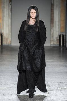 Uma Wang – Mailand Fashion Week Report Herbst/Winter 2015/16: Einen Überblick über die neusten Shows und Kollektionen der italienischen Designer von der laufenden Mailänder Modewoche gibt es hier.