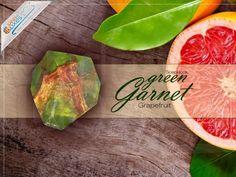 """SoapRocks """"Grüner Granat"""" antibakterielle Naturseife für hochwertige Gesichts- und Körperpflege - SoapRocks Kristallseifen - Mehr entdecken! - ideas in boxes - dekorierte Geschenkboxen"""
