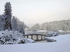 Stourhead, Wilthshire, England. Wish it looked like this here. I want a #silverwhitewinter