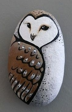Lori-Lee Thomas - Fine Art & Illustration Blog: Being Crafty with Rocks! Very nice.