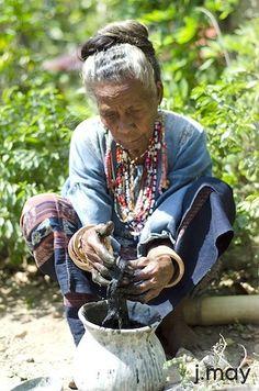 Woman using indigo to dye threads. Deep blues and blacks can take several months to acheive. Grown Women, John Muir, Vintage Textiles, Indigo Blue, Anthropology, Shibori, Old Women, Deep Blue, Artists