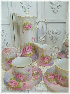 TEA CUPS/SAUCERS, SUGAR BOWL/LID, CREAMER AND PITCHER DECORATED WITH PINK ROSES A BEAUTY