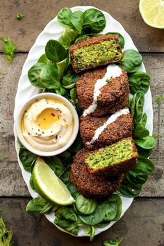 Got chickpeas you don't know what to do with, or perhaps you're simply a big fan of falafel? Then peep this enticing roundup of 50 vegan falafel recipes! Vegetarian Recipes, Cooking Recipes, Healthy Recipes, Healthy Dinners, Salad Recipes, Easy Recipes, Vegetarian Dish, Vegetarian Cookbook, Quiche Recipes