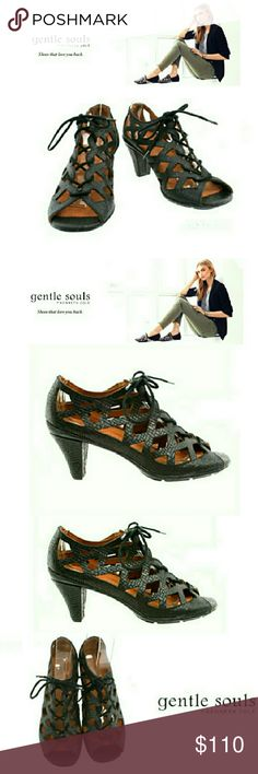 """🎊 NEW🎊GENTLE SOULS - """"OKEY DOKEY"""" LEATHER  SHOES 🎉 BRAND NEW 🎉 GENTLE SOULS BLACK LEATHER HEEL LACE UP GLADIATOR SHOES NEVER BEEN WORN *   Style; OKEY Dokey *   Size 8M *   2 1/2"""" Heel *   Lamb Skin Soft Soles *   Incredibly Comfortable According to Reviews Pls See All Pics. Ask ? If Needed Original Price ; $219.00 Kenneth Cole Shoes Heels"""