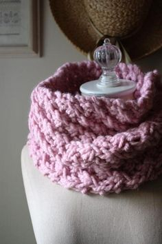 Asterisque Cowl Knitting Pattern | Craftsy