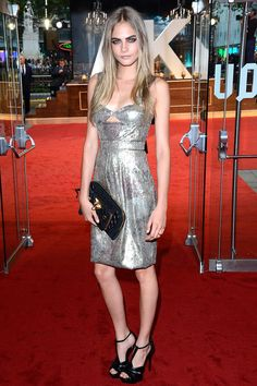 Cara Delevigne has my dream wardrobe. This silver metallic dress may be slighlty more over the top then I would normally wear but I love the fluidity of the material and eye catching colour. Poppy Delevingne, Cara Delevingne Style, Runway Fashion, Fashion Models, Look Short, Cool Blonde, Metallic Dress, Celebrity Outfits, Beautiful People