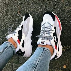 y first pair of sneakers from Fila 🙈 and I'm in love with them! So comf Shoes is part of Chunky sneakers - y first pair of sneakers from Fila 🙈 and I'm in love with them! So comf y first pair of sneakers from Fila 🙈 and I'm in love with them! So comf Moda Sneakers, Sneakers Mode, Sneakers Fashion, Fashion Shoes, Shoes Sneakers, Platform Sneakers, Sneaker Heels, Shoes Heels, Red Adidas Shoes