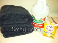Gets rid of the musty smell in towels. Run towels through a very hot cycle (sanitize on our machine) with one cup of vinegar. Wash again on a hot cycle with baking soda. Mildew smell should be gone! Good news is that I already run vinegar and b Household Cleaning Tips, Diy Cleaning Products, Cleaning Solutions, Cleaning Hacks, Diy Cleaners, Cleaners Homemade, Towels Smell, Smelly Towels, Mildew Remover
