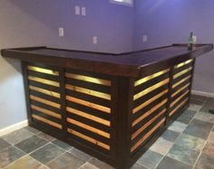The Kona ~ Pallet Bar / Tiki Bar August Super Sale ~ The Most Incredible True Indoor & Outdoor Pallet Bar - Pallet Diy Bar En Palette, Palette Diy, Patio Bar, Recycled Pallets, Wooden Pallets, Bar Made From Pallets, 1001 Pallets, Bar Palettes, Pallet Exterior