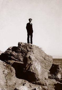Nikos Kazantzakis in Aegina island ~ Autumn 1927