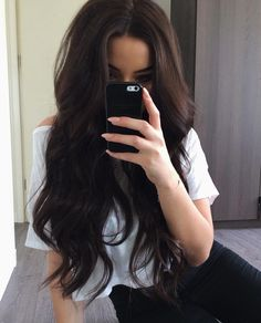 dark brown hair goals The Perfect Fall Hair Inspiration For Brunettes! Outfit Stile, Gorgeous Hair, Beautiful Brown Hair, Pretty Hairstyles, Layered Hairstyles, Dark Brown Hairstyles, Hairstyle Ideas, Brunette Hairstyles, Latest Hairstyles