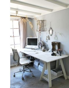 ooh i like this blog too. even though it's in a different language, i love the style of decor--just beautiful!