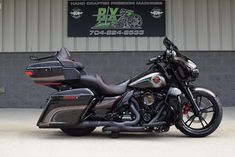 harley davidson road glide bagger with pipes Harley Davidson Ultra, Harley Davidson Street Glide, Harley Davidson Touring, Harley Davidson Sportster, Harley Bagger, Motorcycle Icon, Female Motorcycle Riders, Road Glide Custom, Road Glide Special