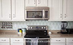 Removable backsplash ideas for renters. There are lots of ways to DIY yourself a better looking kitchen. All the temporary options and resources here! Diy Home Decor On A Budget, Cute Home Decor, Home Decor Items, Rental Decorating, Decorating Tips, Living Furniture, Home Decor Furniture, Removable Backsplash, Ohio House