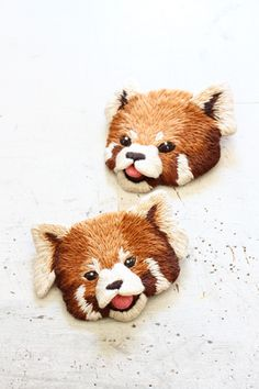 felt embroidery brother of red pandas by PieniSieni フェルト刺繍のレッサーパンダの兄弟