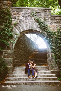 NYC Wedding Photographer // Engagement Session // Fort Tryon Park // The Cloisters //  Washington Heights  www.spanglishstudiosphotography.com