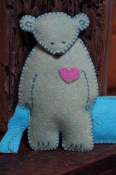Bären! Bären! Bären! ist ein Muster für die Herstellung all dieser süße einfache handgemachte Wald Bären. Man gibt sein Herz an Sie, ist man schläfrig und das letzte ist ein Engel mit Flügeln und einer Wolke. Diese sind süß einfach Bären, die ein Anfänger machen kann. Die leicht heruntergeladene PDF-Datei enthält das Muster, Illustrationen und einfache Anweisungen für Hand nähen diese Bären zu folgen. Wie immer bitte nicht unbeaufsichtigt Säuglinge und Kleinkinder mit kleinen Objekten wie…