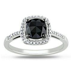 Anillo en oro blanco 18k Diamante central negro corte redondo de 0.4k 34 Diamantes blancos corte redondo de 2 puntos cada uno #ring #gold #diamond #love #fashion #blackdiamond #fb #tw #pin #wedding #engagement #joyeriacolombiana