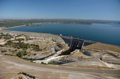 FOLSOM, CA - JULY 20:   In this handout photo provided by the California Department of Water Resources, Full water levels are visible behind the Folsom Dam at Folsom Lake on July 20, 2011 in El Folsom, California. (Photo by Paul Hames/California Department of Water Resources via Getty Images) via @AOL_Lifestyle Read more: https://www.aol.com/article/news/2017/02/12/evacuations-ordered-below-damaged-california-dam/21712454/?a_dgi=aolshare_pinterest#fullscreen