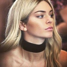 Kendall Jenner Thick Black Velvet Choker Necklace