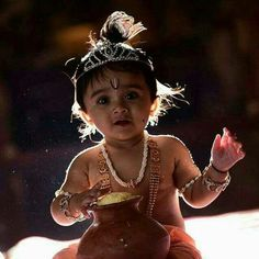 Little Krishna makkan chor Little Krishna, Cute Krishna, Bal Krishna, Radhe Krishna, Shree Krishna, Krishna Art, Krishna Birthday, Cute Baby Girl Pictures, Baby Photos