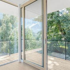 Large glass areas bring more light into the interior of your home. Triple glazing windows ensure excellent thermal insulation - even on sunny days. Timber Windows, Upvc Windows, Aluminium Windows, Sash Windows, Windows And Doors, Window Glazing, Laminated Glass, Solar Shades