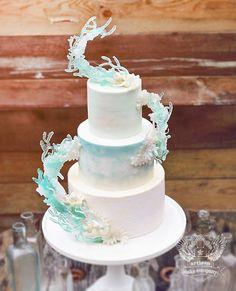 Cake Decorating - How To Apply Edible Cake Art Cake Decorating Techniques, Cake Decorating Tutorials, Beautiful Cakes, Amazing Cakes, Cake Frosting Designs, Zelda Cake, Artisan Cake Company, Cake Structure, Frozen Cake