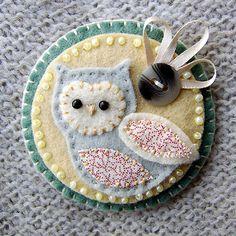 owl brooch of felt
