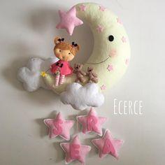 Sera'nın kapı süsü #keçe #felt #feltro #fieltro #kapisusu #kecekapisusu #ecerce #tasarim #babyroom #babyroomdecor #elyapimi #handmade #hediye #babyshower #bebekodasi #baby #babygirl #dogumhediyesi #hosgeldinbebek #bebekhediyesi #bear #feltbear #fairy #feltfairy #feltcraft #craft #feltdesign