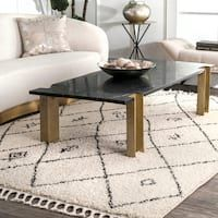 Shop for The Curated Nomad Philo Off-white Soft Diamond Trellis Aztec Tassel Shag Rug. Get free delivery at Overstock - Your Online Home Decor Store! Get in rewards with Club O! Area Rug Sizes, Area Rugs, Moroccan Area Rug, Rug Size Guide, Rugs Usa, Buy Rugs, Contemporary Rugs, Fashion Room, Home Decor Trends