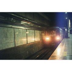 11 отметок «Нравится», 1 комментариев — Ivan (@tsymbaloff) в Instagram: «#nsk #metro #pentaconpraktika #kodakgold200 #новосибирск #метро»