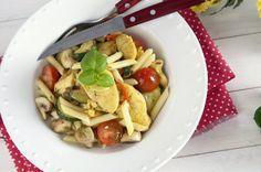 Receita de Penne salteado com frango, caril e legumes. Descubra como cozinhar Penne salteado com frango, caril e legumes de maneira prática e deliciosa com a Teleculinaria!