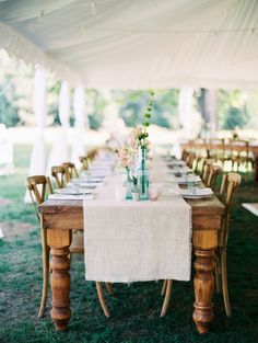 Photography : Brushfire Photography Read More on SMP: http://www.stylemepretty.com/new-york-weddings/shandaken-new-york/2016/08/17/new-york-catskills-wedding/