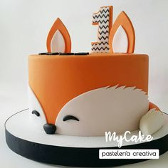 Baby Boy 1st Birthday Party, Baby Birthday Cakes, Fox Cake, Fox Party, Painted Wedding Cake, First Birthday Decorations, Fashion Cakes, Cakes For Boys, First Birthdays