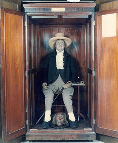 21 Real-Life Scary Pictures With Horrifying Backstories Jeremy Bentham 74c6ee786582