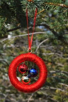 Christmas Balls Yarn Christmas Ornament Wreath by WhitePeakCrafts, $5.00