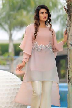 Stylish Dress Book, Stylish Dresses For Girls, Casual Dresses, Stylish Girl, Pakistani Fashion Party Wear, Indian Fashion Dresses, Fashion Outfits, Simple Pakistani Dresses, Pakistani Dress Design