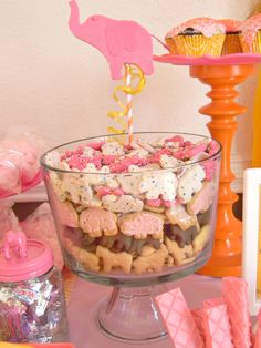 circus cookie party table display! #elephant atozebracelebrations.com/2013/04/circus-baby-shower.html