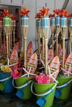 Cute Luau Party Centerpieces or Gift Bags & 35 Budget DIY Party Decorations Youu0027ll Love This Summer   Pinterest ...