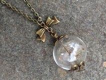 Dandelion necklace Website: Dawanda.de Sho: kompassart
