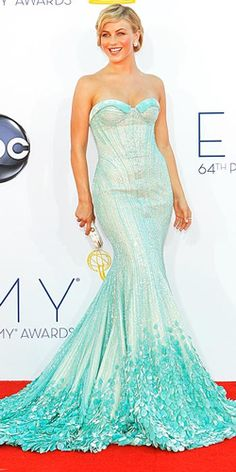 Julianne Hough....Seafoam was another favourite colour on the red carpet, and it looks so fresh, especially on bronzed skin like Julianne Hough's.
