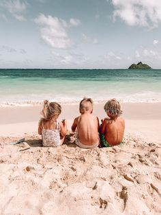 In Love With Hawaii & 12 Things - Barefoot Blonde by Amber Fillerup Clark Cute Family, Family Goals, Photos Bff, Summer Vibe, Barefoot Blonde, Beach Kids, Beach Babies, Beach Mom, Future Mom