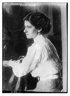 Violet Oakley, a Red Rose Girl of the Arts and Crafts movement